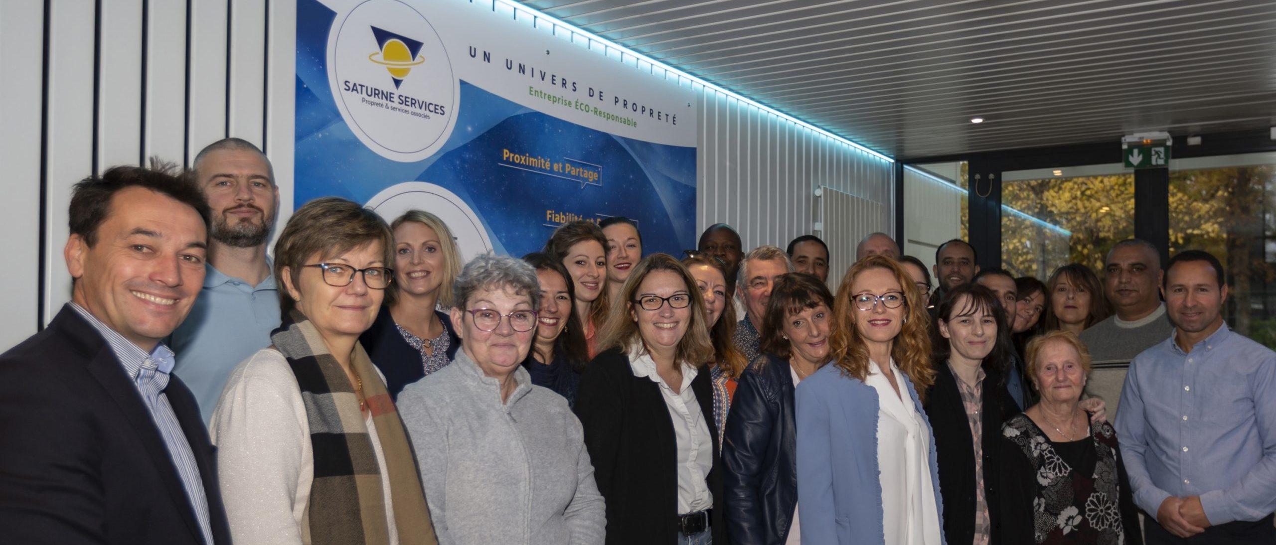 Le Groupe Saturne - Actualités - Collaborateurs - Un univers de propreté - Logo - Nettoyage professionnel - Entreprise de nettoyage