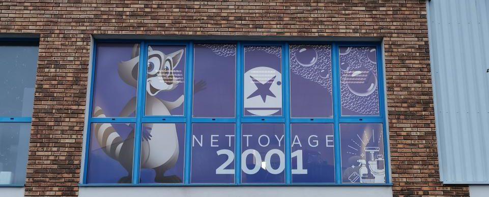 Le Groupe Saturne - Actualités - Nettoyage 2001 - Un univers de propreté - Logo - Nettoyage professionnel - Entreprise de nettoyage