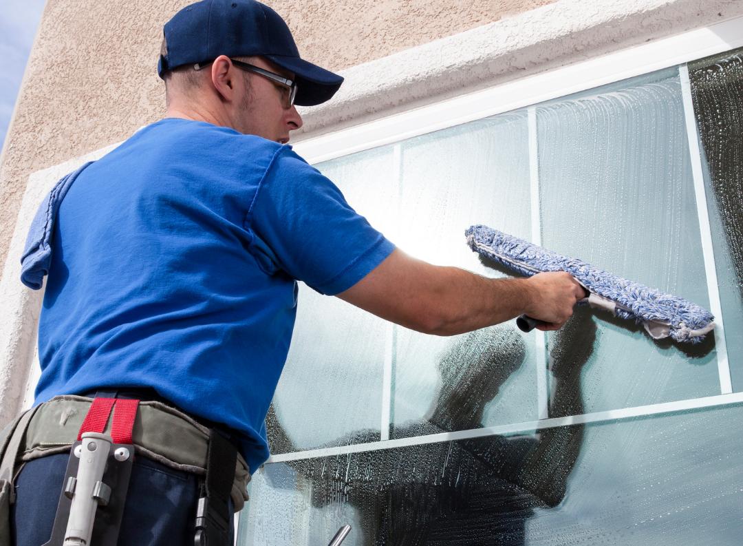 Le Groupe Saturne - Prestation - Vitreries - Nettoyage vitres - Mise en propreté - Nettoyage professionnel - Entreprise de nettoyage